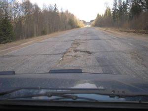 Регионам предлагают заняться ремонтом федеральных дорог