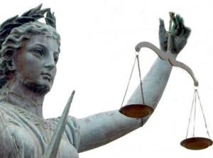 Чиновники Санкт-Петербурга меняют закон о бесплатной юридической помощи