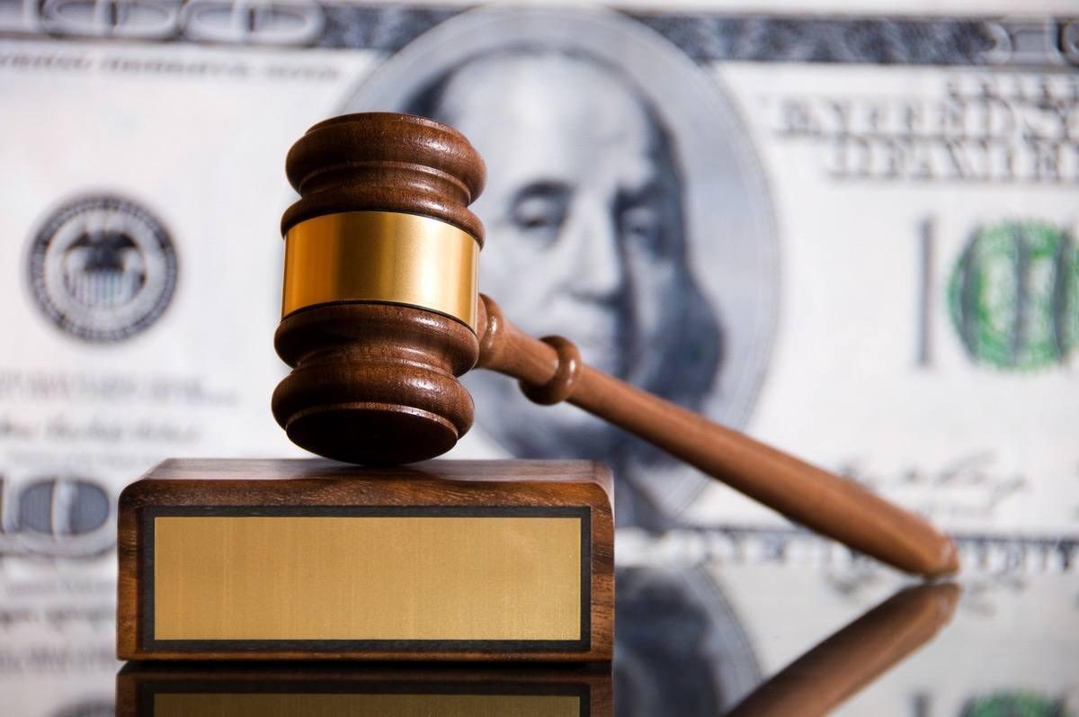 Как взыскать задолженность по государственному контракту