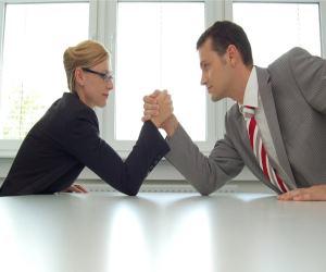 Разница между адвокатом и юристом