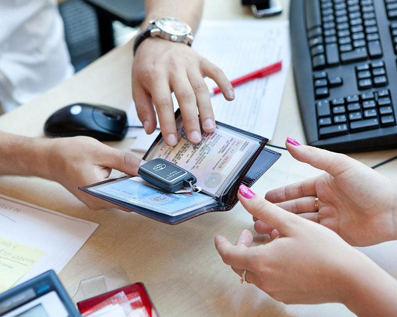 Бумажные ПТС заменят электронными с 1 июля 2017 года