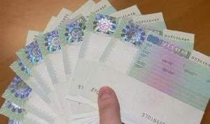 Работникам крупных иностранных компаний визы будут получать на более длительный срок